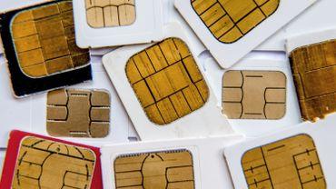Téléphonie: les cartes prépayées vouées à disparaître ?