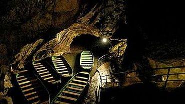 Les grottes de Remouchamps, surnommées la Merveille des Merveilles, sont un des hauts lieux du tourisme en province de Liège