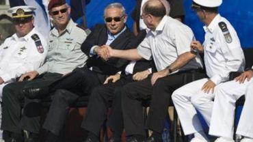 Les services de sécurité israéliens s'empoignent sur la place publique