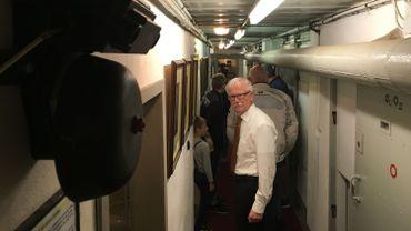 Un des deux couloirs du bunker reconverti en musée.