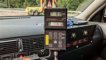 La police de Mons est désormais équipée d'un radar mobile.