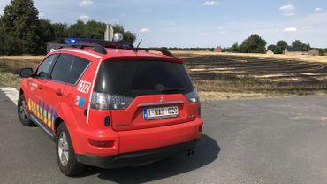 Des pompiers de Wavre et de Nivelles sont intervenus pour éteindre cet incendie.
