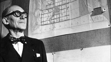 L'architecte suisse Charles-Edouard Jeanneret dit Le Corbusier (1887-1966)