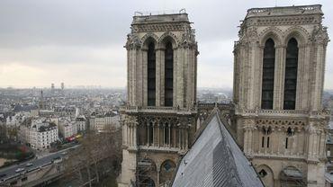 Notre-Dame de Paris est très présente dans les arts, dans la littérature mais aussi le cinéma, la comédie musicale, le ballet ou la peinture.