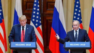 """""""Le président pense que la prochaine rencontre bilatérale avec le président Poutine devrait avoir lieu une fois que la chasse aux sorcières sur la Russie sera terminée, nous avons donc décidé qu'elle aurait lieu l'année prochaine"""", a indiqué John Bolton, conseiller à la sécurité nationale."""
