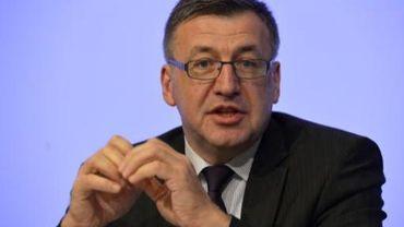 Steven Vanackere souhaite une TVA à taux nul pour la presse numérique