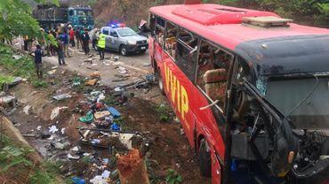 Le crash a fait plus de 60 victimes, selon les premiers bilans