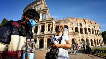 Coronavirus en Italie: plus de7300 infections quotidiennes, un record