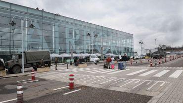 Selon une étude de l'Université de Liège, « le développement de l'aéroport annule le quart des efforts des Wallons réduire leur empreinte carbone »