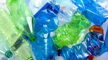 Déchets plastiques: les produits d'une poignée de multinationales polluent la planète, selon un rapport.
