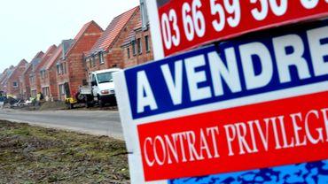 Immobilier belge surévalué: les prix vont-ils s'écrouler? Faut-il vendre?