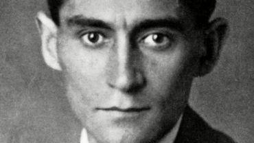 """Plusieurs années avant sa mort, Kafka avait demandé avec insistance à son ami Max Brod de détruire """"tout ce qu'il pourrait retrouver de tout ce qu'il avait écrit""""."""