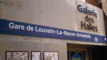 """A l'avenir, ne dites plus """"gare de Louvain-la-Neuve Université"""", mais """"gare de Louvain-la-Neuve"""" tout court…"""