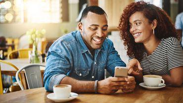 A quel point sommes-nous capables d'embellir notre personnalité pour séduire un potentiel partenaire sexuel?
