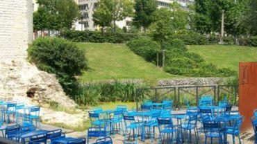 Le Potemkine avait installé une terrasse sur le parc de la Porte de Hal, sans autorisation.
