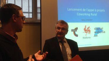 le Ministre de la Ruralité René Collin en visite chez Co working Namur pour le lancement de l'appel à projet d'espaces de Coworking en milieu rural.