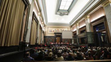 Illustration: La salle de la cour d'assise de Bruxelles.