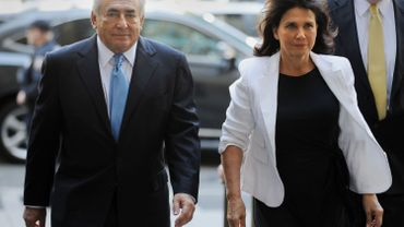 DSK et son épouse Anne Sinclair arrivent à l'audience à Manhattan