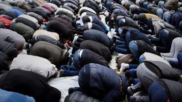 Jeannine : « La solution : qu'ils aillent prier dans les églises ! »