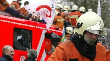 Pompiers bruxellois: Le préavis de grève du SLFP est maintenu, après la réponse du ministre