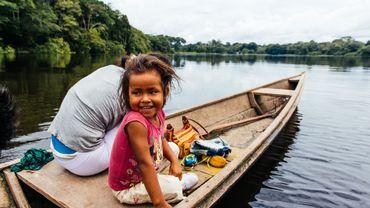 Un jour comme un autre sur le fleuve Amazone : la pêche et la vente du poisson sont au coeur de la vie.