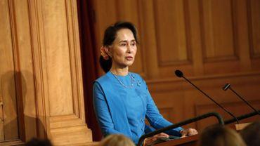 D'après un porte-parole du gouvernement, Aung San Suu Kyi s'exprimera à la télévision mardi.