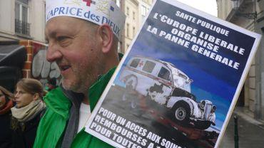 Environ 600 manifestants à Bruxelles contre la commercialisation de la santé en Europe