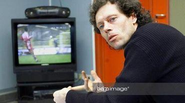Le magnétoscope aura été le produit-phare de Panasonic. En tant que jeune entraîneur en 2001, Michel Preud'homme en faisait un bon usage.