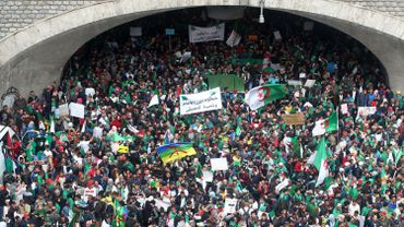 Énorme mobilisation à Alger pour le 1er vendredi post-Bouteflika
