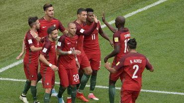 Ronaldo et ses équipiers célèbrent le but du 0-1