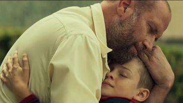 """""""Il y a quelque chose qui m'a vraiment touché et plu dans cette histoire d'un petit garçon qui va faire un mensonge pour aider son père"""" (Julien Rappeneau)."""
