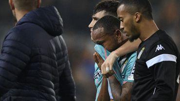 Marco Ilaimaharitra quitte le terrain en pleurs après des propos racistes lors de KV Mechelen -  Sporting Charleroi, le dimanche 3 novembre 2019 à Malines