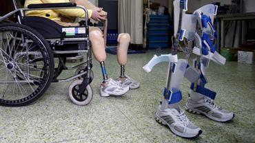 """Des professeurs belges participent à un projet de """"jambes bioniques"""""""
