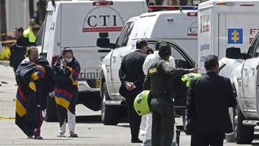 Intervention des secours après l'attentat à la voiture piégée à Bogota le 17 janvier 2019