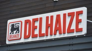 """Delhaize a lancé jeudi un """"plan de durabilité"""" dont la première étape est la réduction de 80% du plastique au rayon fruits et légumes."""