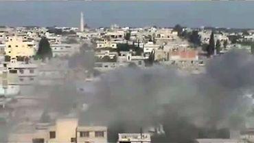 Bombardements sur Rastane (image tirée d'une vidéo postée sur YouTube)