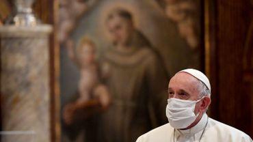 """Le pape François commémore les victimes du Covid-19: """"Les souffrances de la guerre sont aggravées par les celles du coronavirus"""""""