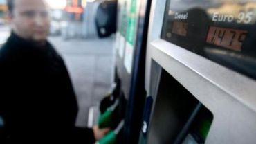 Chute des prix du carburant - Le gouvernement fédéral active le système de cliquet