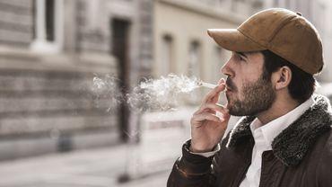 Tabac et dépression pourraient être liés chez les jeunes adultes.