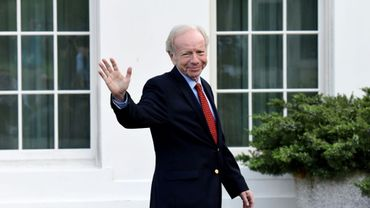 Joe Lieberman quitte la Maison Blanche après une rencontre avec le président américain Donald Trump le 17 mai 2017 à Washington