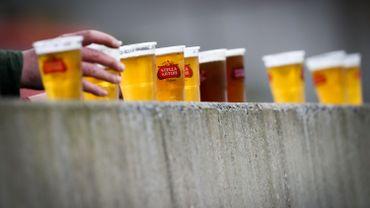 La Belgique est le troisième pays de l'UE où l'absorption d'alcool est la plus élevée, soit 12,6 litres par personne et par an, après la Lituanie (15,2 litres/personne), et la République tchèque (12,7 L/p).