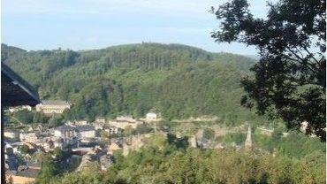 La commune de La Roche-en-Ardenne et  une série de partenaires comme le DNF ou le Parc Naturel des Deux Ourthes, développent un projet ambitieux, à la fois écologique, patrimonial et touristique pour la colline du Deister.