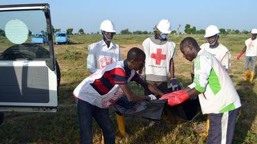 Des ambulancier en action après une explosion à Maiduguri le 16 octobre dernier