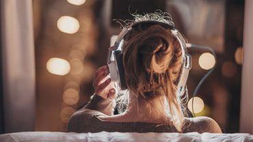 """Podcast: """"C'est confiné"""", écoutez les messages vocaux envoyés durant le confinement"""