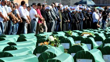 Guerre de Bosnie: obsèques de 284 victimes retrouvées 20 ans après