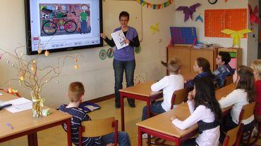 Un tableau informatisé permettrait plus d'interactivité et, surtout, un meilleur suivi des élèves (illustration).