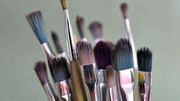 Un artiste bruxellois expose ses toiles sur la toile ...