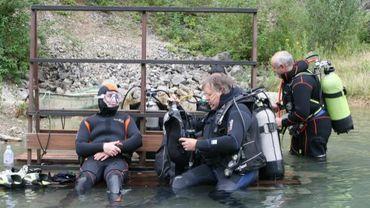 Chaque mois des plongeurs PMR s'entraînent en piscine ou en carrière.