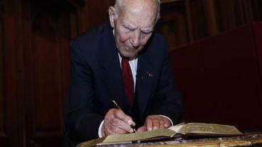 Stéphane Hessel, citoyen d'honneur de la ville de Bruxelles