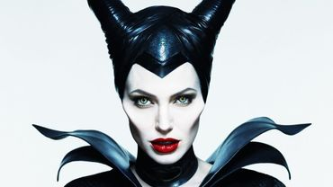 """Angelina Jolie se pose au sommet du box office mondial avec son nouveau film """"Malefique"""""""
